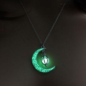 Green Moon Pumpkin Luminous Women's Necklace