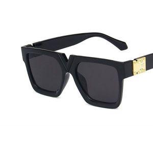 V-shaped Nose Bridge Black Square Sunglasses